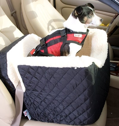 The Snoozer Lookout is one of the best car seats for small dogs